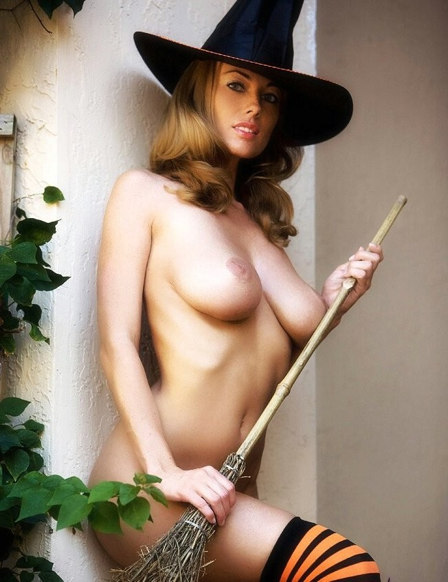 Naked Witch
